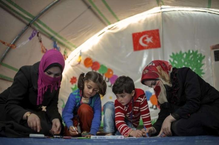 Pengungsi Suriah mendapatkan kesempatan kuliah oleh Turki